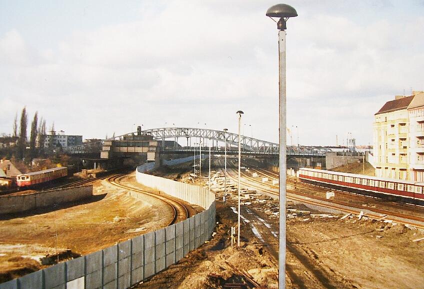 Berlijnse Muur en het spoor